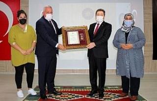 Şehit yakınları ve Gazilere Devlet Övünç Madalyası...