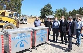 Tosya'da yeni çöp konteynerleri muhtarlara teslim...