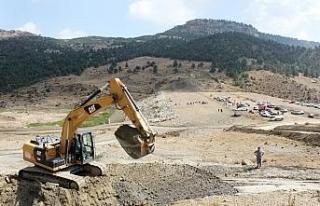 27 yıllık Karacaoğlan Göleti Projesi'nde çalışmalar...