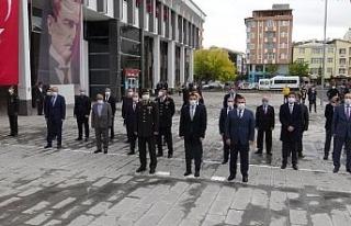 Atatürk'ün Kars'a gelişinin 96. yılında törenle...