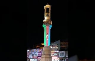 Bayburt Saat Kulesi Azerbaycan bayrağı renklerine...