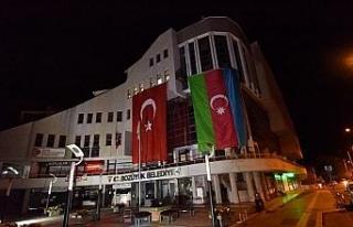 Bozüyük Belediyesi hizmet binasına dev Azerbaycan...