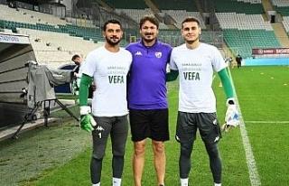 Bursaspor'un genç oyuncusu Vefa Temel'in sol...