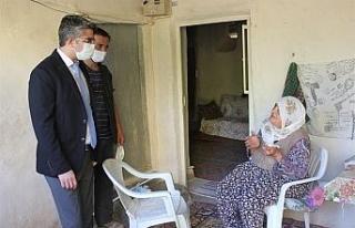 Çat kapı ziyaretten yaşlılar memnun