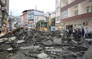 Cumhuriyet caddesinde asfalt hazırlıkları başladı