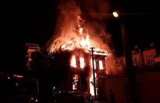 Denizli'de tarihi konaktaki yangınla ilgili yakalanan...