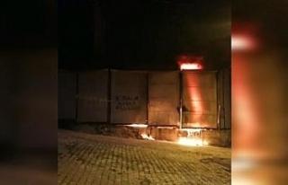 Hurda deposundaki yangın söndürüldü
