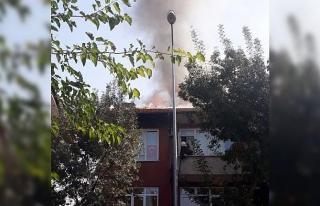 Isparta'da çatı yangını korkuttu
