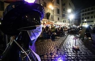 İtalya'da günlük vaka sayısı rekor tazeledi