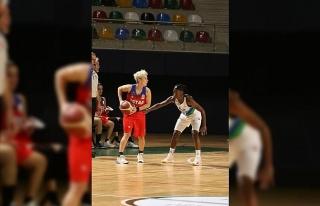 Kadınlar Basketbol Süper Ligi: İzmit Belediyespor:...