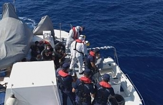 Mersin açıklarında 11 düzensiz göçmen yakalandı