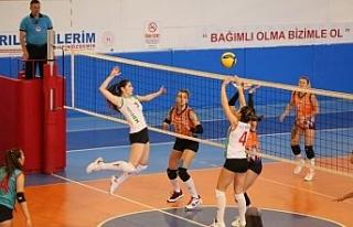 Nevşehir Belediyespor Kadın Voleybol takımı galibiyetle...
