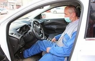 Parkinson Hastası otomatik aracını tek pedalla...