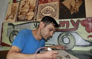 Ressam olamayan kaportacı hayalini sanayide yaşatıyor