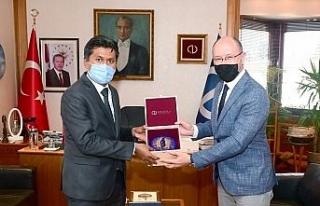 Sri Lanka Büyükelçisi Mohamed Rizvi Hassen, Rektör...