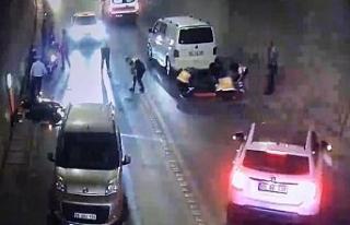 Trafik kazası saniye saniye güvenlik kamerasına...