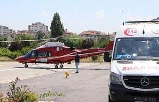 Trafik kazasında yaralanan sürücü hava ambulansı...