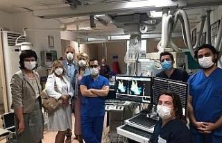 Yabancı doktorlar yeni tedavi yöntemini Samsun'da...