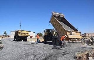 Yollarbaşı kırsal mahallesinde asfalt çalışması