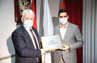 YTB, Karadağ'da Rojaye Belediye Ödülüne layık...