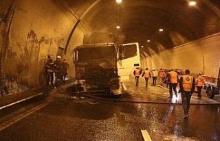 Bolu Dağı Tüneli'nde tır yangını İstanbul...