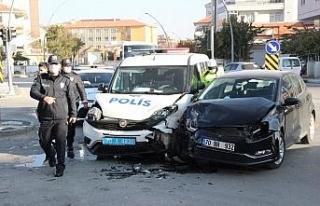 Cezaevinde isyan alarmına giden polis ekibi kaza...