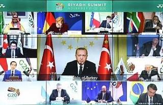 """Cumhurbaşkanı Erdoğan: """"DEAŞ'la göğüs..."""