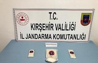 Kırşehir'de yolcu otobüsünde uyuşturucu sevkiyatını...