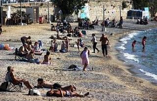 Kısıtlama biter bitmez sahile akın ettiler