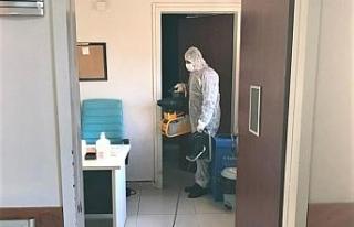 Körfez Devlet Hastanesi günlük olarak dezenfekte...