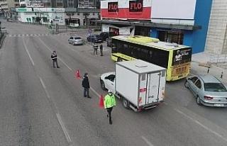 Bursa'da sokak kısıtlamasında cadde ve meydanlar...