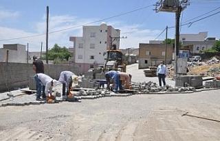Cizre'de kilitli parke taşı döşeme çalışmaları...