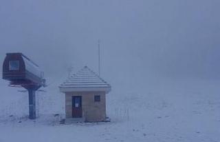 Murat Dağı Termal Kayak Merkezi'ne mevsimin ilk...