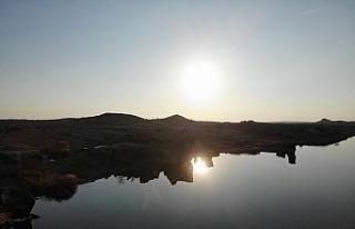 (Özel) Frigya'daki Emre Gölü 'Kapadokya'...