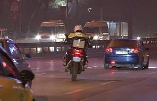 (Özel) Sokağa çıkma yasağında motosikletli Şahin...