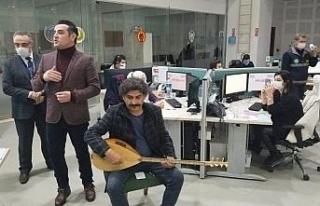 112 çalışanlarına bağlaması ve türküleriyle...