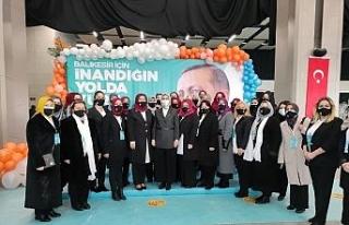 "AK Partili Çam, CHP'li kadınlara seslendi: ""Partilerinde..."