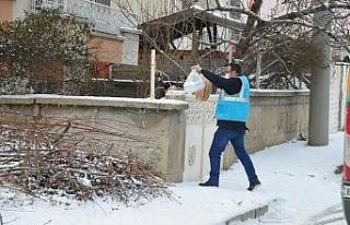 Akşehir Belediyesi'nden sıcak yemek desteği