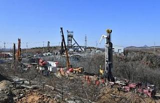 Çin'de altın madeninde mahsur kalan madencileri...