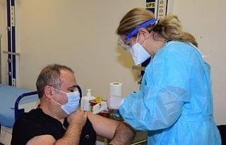 ESOGÜ Hastanesi'nde Covid-19 aşılaması başladı