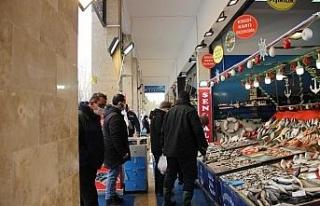 Fiyatların arttığı balık pazarında ümitler...