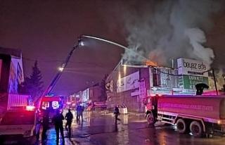 Gıda Toptancıları Sitesi'ndeki yangın kontrol...