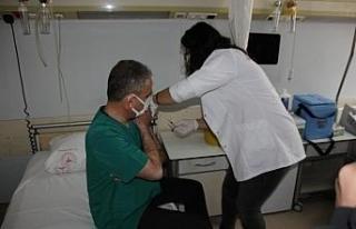 Hakkari'de ilk korona virüs aşısı yapılmaya...