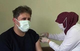 Iğdır'da korona virüs aşısı sağlık çalışanlarına...