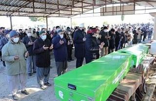 Kaza kurbanı aynı aileden 5 kişi son yolculuklarına...