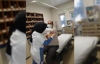 Pazaryeri'nde sağlık çalışanlarına korona...