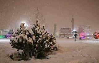 Sivas'ta kar yağışı kartpostallık görüntüler...