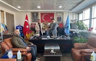 Taraftarlardan Havaalanı Müdürü Akyüz'e destek...