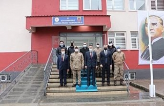 Vali Çağatay'dan kahraman komandolara ziyaret