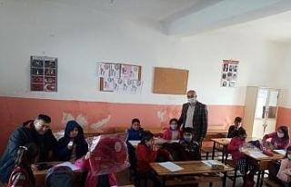 Başkan Ensari'den okul ziyareti